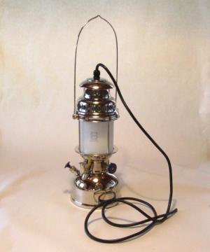 Pertromax 500 CP sähköistetty riippuva malli, kromattu